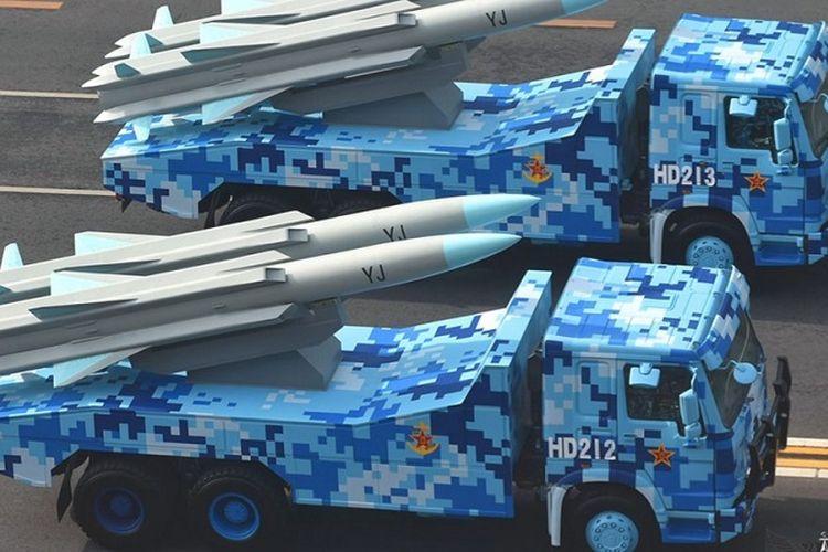 Rudal penjelelajah anti-kapal YJ-12B yang dipamerkan dalam parade militer China.