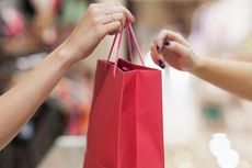 Alfamart Lanjutkan Program Kantong Plastik Berbayar