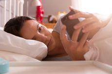 Hentikan Kebiasaan Periksa Ponsel Saat Bangun Tidur, Ini Alasannya