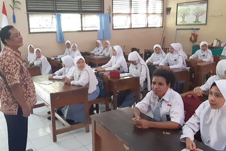Para pelajar asal Papua di SMA 1 Bojong, Kab. Pekalongan Jawa Tengah.