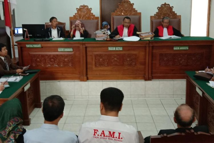 Sidang dengan praperadilan dengan termohon PLN di Pengadilan Negeri Jakarta Selatan, Senin (9/9/2019)