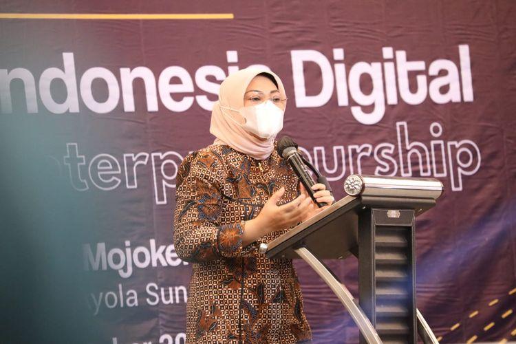 Menteri Ketenagakerjaan Ida Fauziyah saat memberikan sambutan dalam peresmian Indonesia Digital Entrepreneurship Summit, di Mojokerto, Jawa Timur, Jumat (23/10/2020).