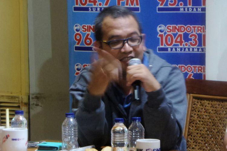 Peneliti dari Institute For Criminal Justice Reform (ICJR) Anggara Suwahju dalam sebuah diskusi Dramaturgi Ahok di kawasan Cikini, Jakarta Pusat, Sabtu (13/5/2017).