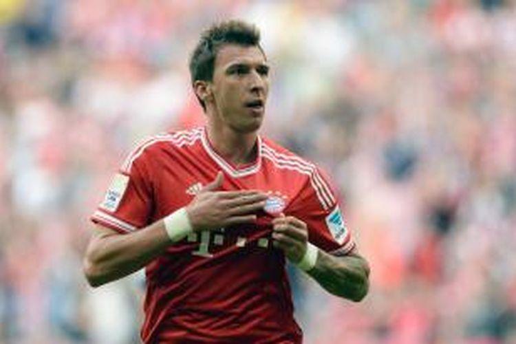 Penyerang Bayern Muenchen Mario Mandzukic.