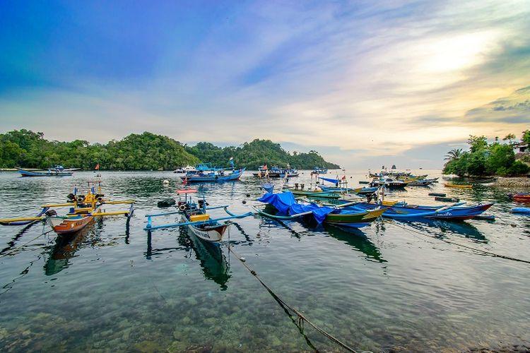 Ilustrasi pantai - Pantai Sendang Biru di Malang Selatan.