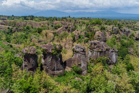 Wisata Batu So'on di Bondowoso, Batu Mirip Stonehenge yang Misterius