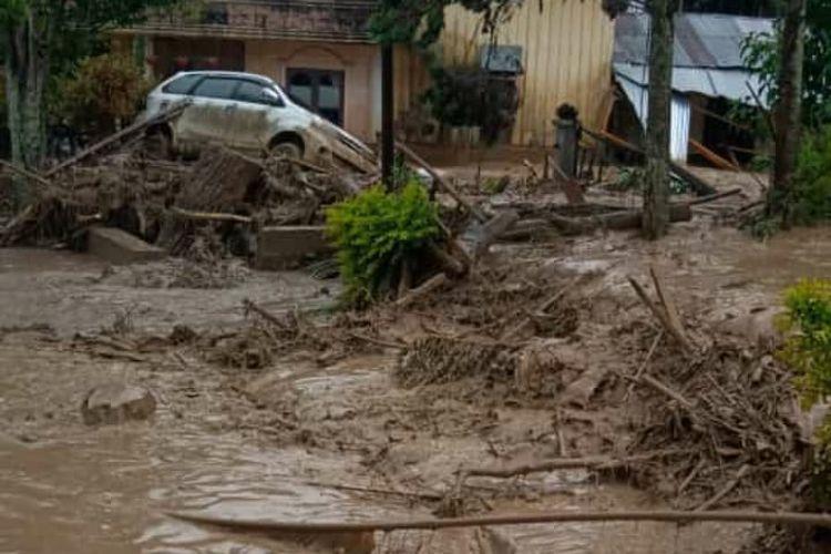 Kondisi pasca banjir bandang disalah satu komplek perumahan warga Kampung Paya Tumpi Baru, Kecamatan Kebayakan, Kabupaten Aceh Tengah, Rabu (14/5/2020)