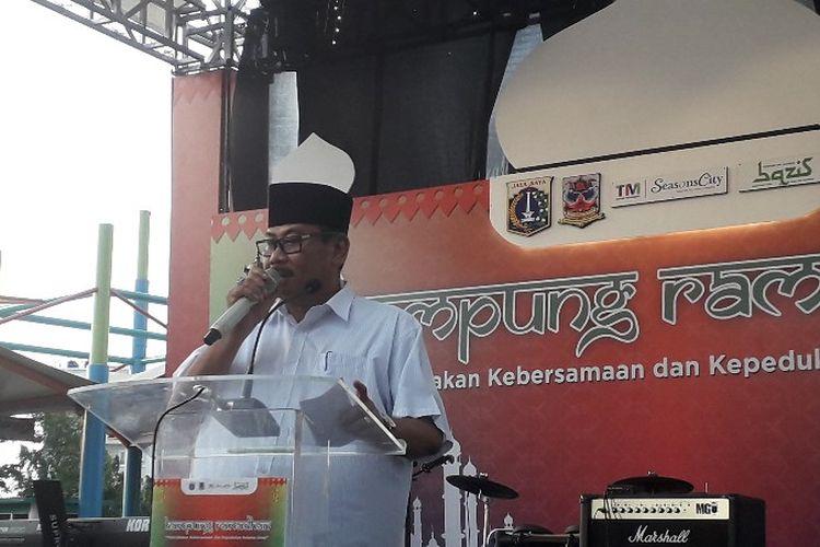 Walikota Jakarta Barat Anas Effendu membuka bazar Kampung Ramadhan di mal Season City, Jakarta Barat pada Jumat (18/5/2018).