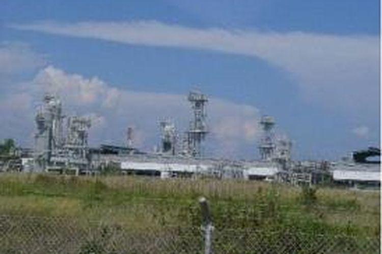 Kilang LNG Tangguh adalah salah satu penghasil gas alam cair di Indonesia. Tampak Kilang LNG Tangguh di Tanah Merah, Distrik Sumuri, Teluk Bintuni, Papua Barat, Selasa (13/12/2011).