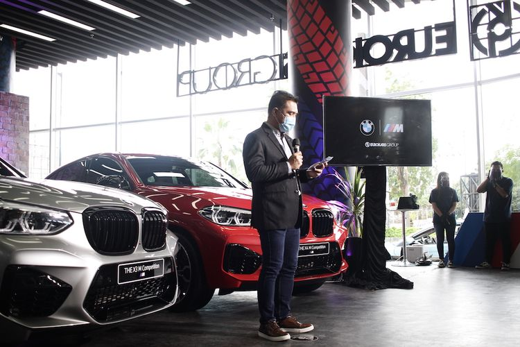 BMW X3 M dan BMW X4 M diperkenalkan untuk pasar Jawa Timurdi BMW M-TOWN Surabaya