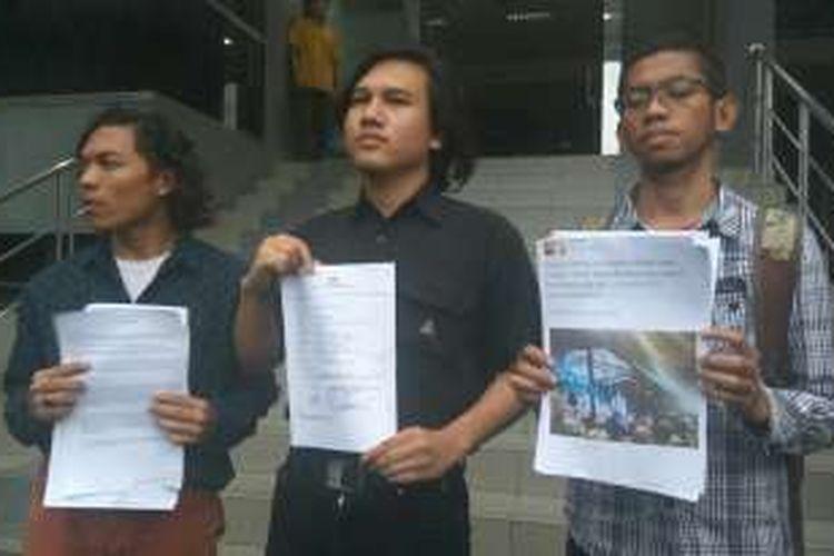 Student Peace Institute (SPI) melaporkan Imam besar Front Pembela Islam (FPI) Rizieq Shihab atas tuduhan penodaan agama ke Polda Metro Jaya, Selasa (27/12/2016).