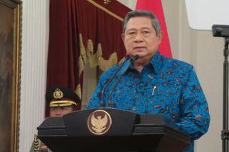 Presiden Susilo Bambang Yudhoyono mengumumkan penerbitan Perppu nomor 1 tahun 2014 yang membatalkan Undang-undang nomor 22 tahun 2013 tentang Pemilihan Kepala Daerah, dan Perppu nomor 2 tahun 2014 yang merevisi Undang-undang nomor 23 tahun 2014 tentang Pemerintah Daerah di Istana Merdeka, Kamis (2/10/2014). Terbitnya perppu itu untuk membatalkan mekanisme pemilihan kepala daerah melalui DPRD menkadi pilkada langsung.