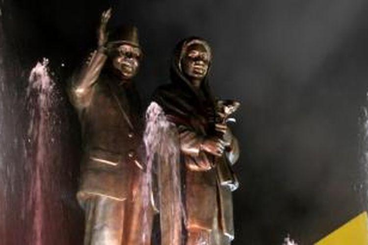 Monument Cinta sejati Ainun Habibie, berdiri kokoh di Alun-alun Kota Parepare, Sulawesi Selatan.