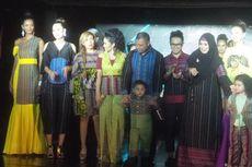 Krisdayanti dan Raul Lemos Luncurkan Produk Fashion Tais