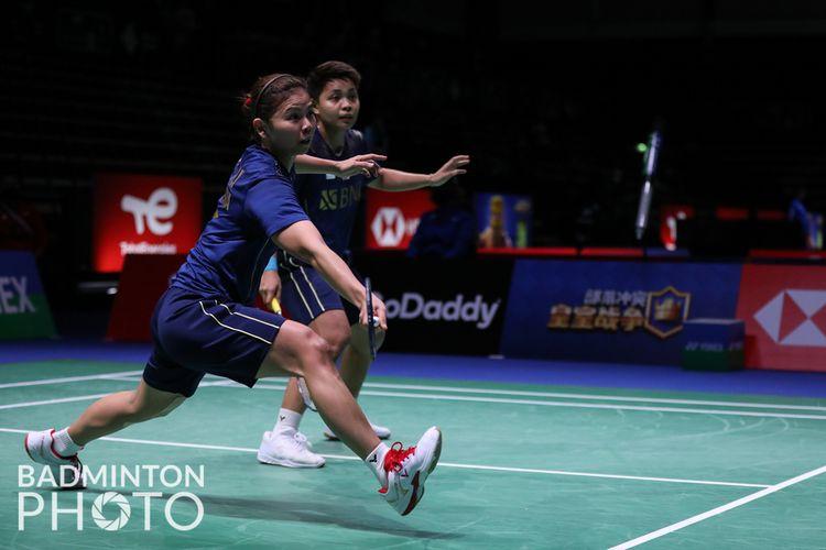 Ganda putri Indonesia, Greysia Polii/Apriyani Rahayu, saat bertanding dengan Rachel Chan/Catheine Choi (Kanada) pada laga Grup C Piala Sudirman 2021.