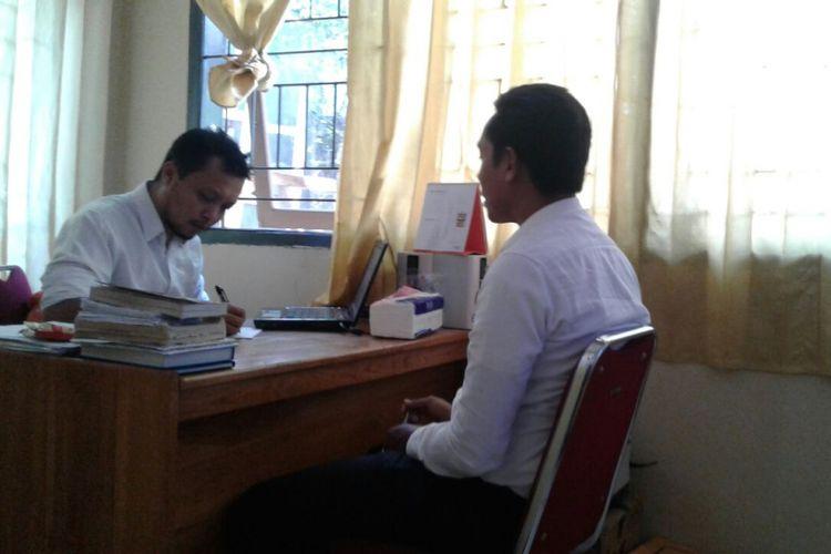 Penyidik Polsek Wolio Kota Baubau, Sulawesi Tenggara, mulai memeriksa tiga orang agen Biro Perjalanan Umrah PT Dahsyat Baitullah.  Ketiga orang agen tersebut bernama Amin, Halim, dan Arnia. Mereka diduga berperan sebagai perekrut jamaah di Kota Baubau untuk berangkat umrah melalui PT Dahsyat Baitullah.