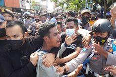 Demo Tolak PPKM Mikro di Ambon Berujung Bentrok, Sejumlah Mahasiswa Ditangkap