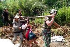 Cerita Dua Prajurit TNI di Cianjur, Tandu Ibu Habis Melahirkan Sejauh 2 Kilometer