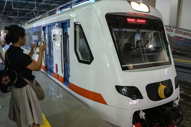 Kereta Api Bandara tiba di Stasiun BNI City, Sudiman, Jakarta (8/1/2018). PT Bank Negara Indonesia (Persero) Tbk (BBNI) menjadi nama dari salah satu stasiun kereta bandara Soekarno-Hatta yakni, Stasiun BNI City yang terletak di kawasan Sudiman, Jakarta.