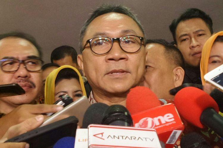 Ketua MPR RI Zulkifli Hasan di Kompleks Parlemen, Senayan, Jakarta, Senin (6/3/2017)