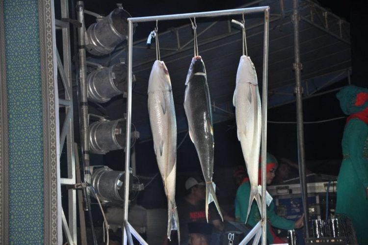 Bandeng yang dipajang dalam kontes dan pasar bandeng beberapa tahun lalu di Gresik.
