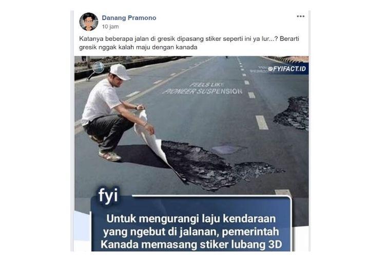 Danang Pramono mengunggah postingan tentang stiker lubang 3D dan dihubungkan dengan keadaan di Gresik.