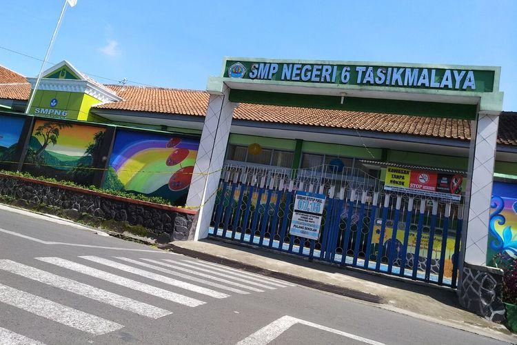 Lokasi tewas Delis Sulistina (13), siswi SMPN 6 Tasikmalaya, di gorong-gorong depan sekolahnya.