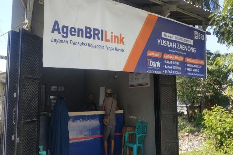 Keberadaan agen BRILink memberikan kemudahan transaksi bagi sejumlah warga.
