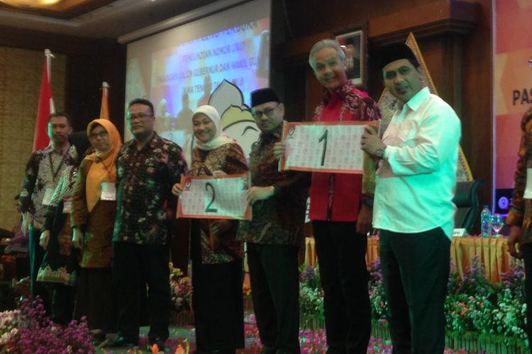 Pengundian nomor urut pasangan calon di Pilkada Jawa Tengah, Selasa (13/2/2018) malam. Ganjar-Yasin dapat nomor 1, sementara Sudirman-Ida nomor 2.