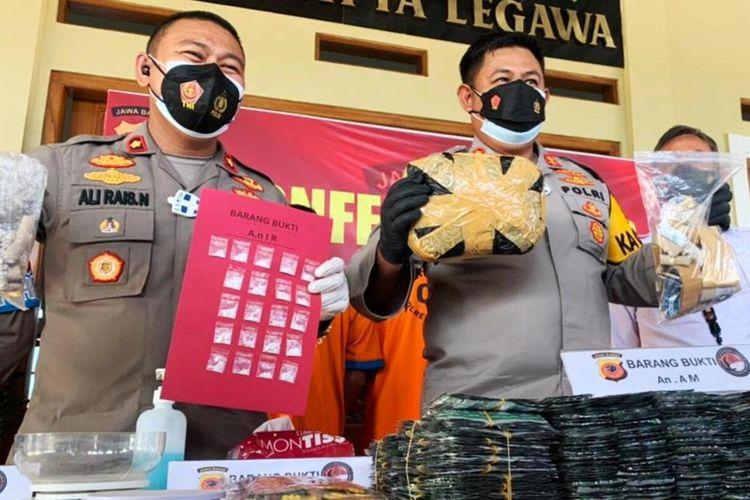 Jajaran Polres Cianjur, Jawa Barat, merilis pengungkapan kasus narkoba, Kamis (29/7/2021).