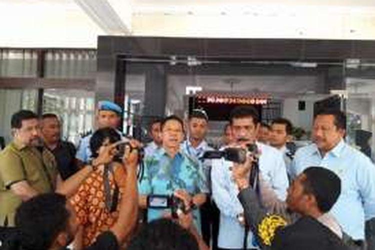 Juru bicara tim pencari fakta gabungan Effendi Ghazali saat memberikan keterangan pers kepada sejumlah wartawan di kantor wilayah Kementrian Hukum dan HAM Wilayah Nusa Tenggara Timur (NTT), Senin (29/8/2016).
