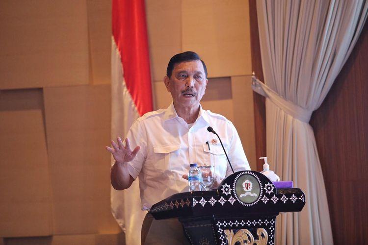 Menko Bidang Kemaritiman dan Investasi Luhut Binsar Pandjaitan memberikan kuliah umum kepada ratusan perwira TNI, di Jakarta, Rabu (8/7/2020).