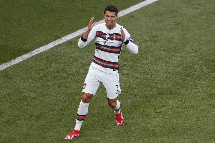 Penyerang Portugal Cristiano Ronaldo setelah gagal memaksimalkan peluang pada laga pembuka Grup F Euro 2020 kontra Hongaria di Stadion Puskas Arena, Budapest, Selasa (14/6/2021) malam WIB.