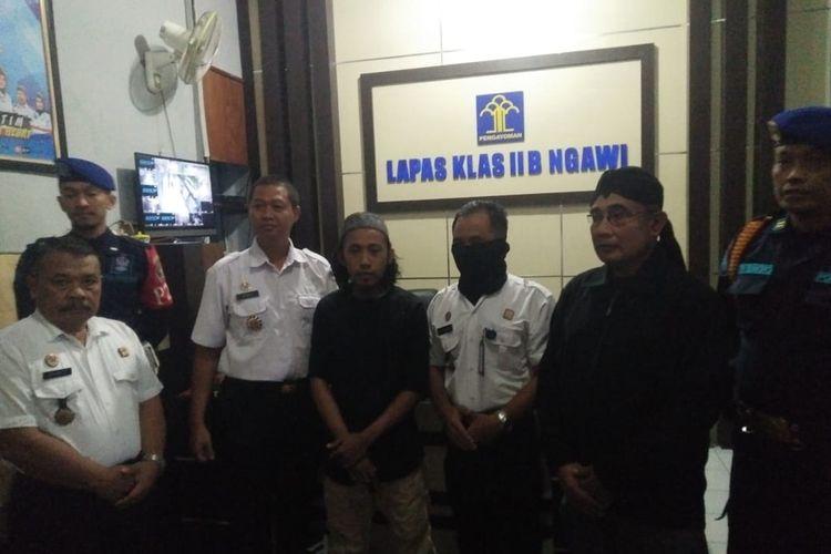 Setiawan Hadi Putra, terpidana kasus teroris dibebaskan dari Lapas Kelas IIB Kabupaten Ngawi setelah menjalani hukuman penjara 4 tahun 2 bulan.