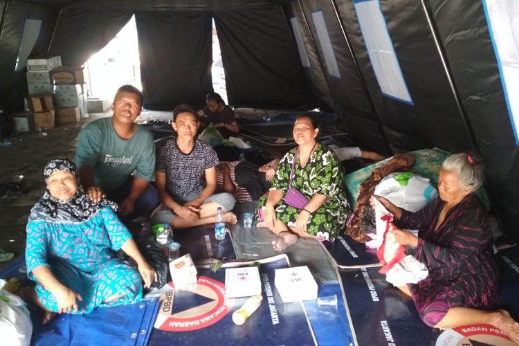 Pengungsi Kebakaran Kemayoran di Tenda Pengungsian