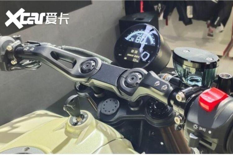 Feiken TT 250, kloningan Husqvarna Vitpilen dari China