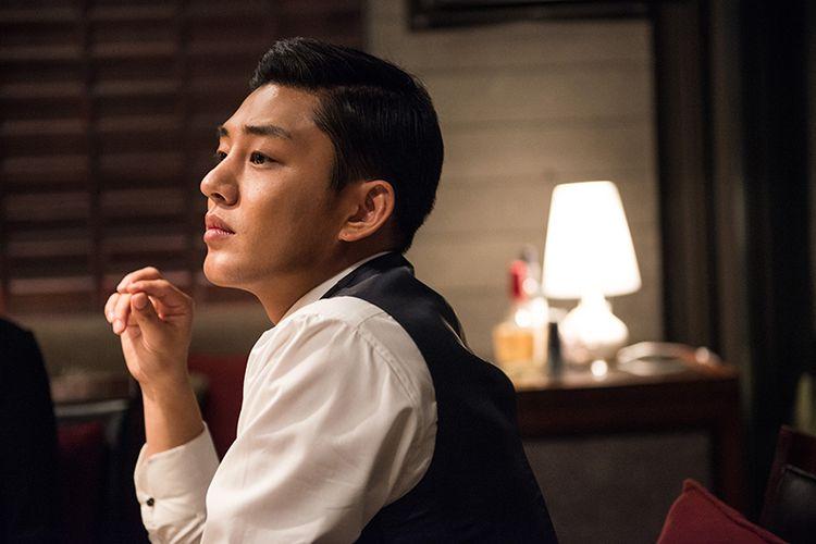 Yoo Ah In berperan sebagai Jo Tae Oh, anak konglomerat serta pelaku kriminal, dalam sinema komedi-aksi Veteran (2015).