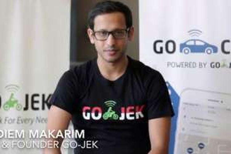 CEO GoJek Nadiem Makarim dalam video yang mengajak pengemudi Grab dan UberMotor beralih ke GoJek.