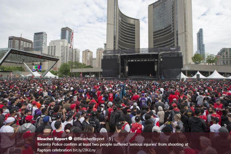 Perayaan juara Toronto Raptors harus diawarnai dengan insiden tembakan.