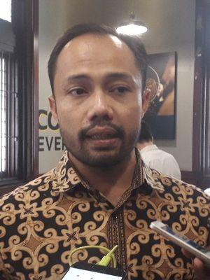 Koordinator Divisi Korupsi Politik ICW Donal Fariz memberi keterangan kepada wartasan usai sebuah diskusi di kawasan Cikini, Jakarta Pusat, Selasa (30/7/2019).