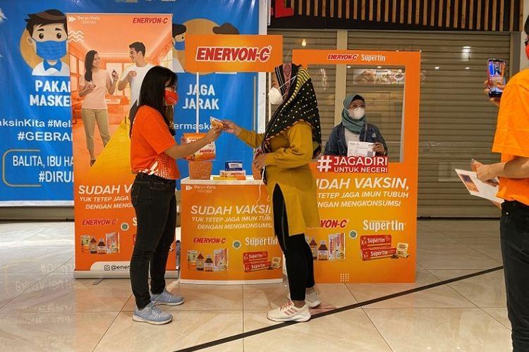 PT Darya-Varia Laboratoria Tbk bagikan Enervon-C gratis di sentra vaksinasi di wilayah Bogor dan Jakarta