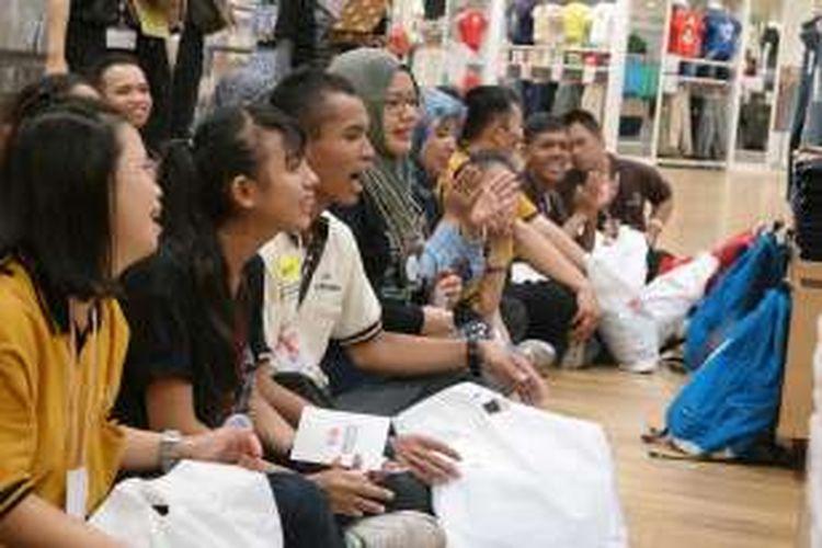 Harus diakui, penyandang disabilitas di Indonesia hingga kini rawan tak terpenuhi hak-haknya, termasuk untuk kesempatan yang sama dalam dunia kerja. Praktik di dunia internasional, idealnya setiap perusahaan mempekerjakan sekurang-kurangnya satu persen pekerja penyandang disabilitas.