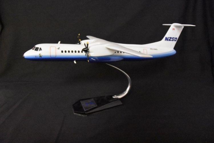 Miniatur Pesawat N250 yang dinamakan Gatot Kaca buatan BJ Habibie