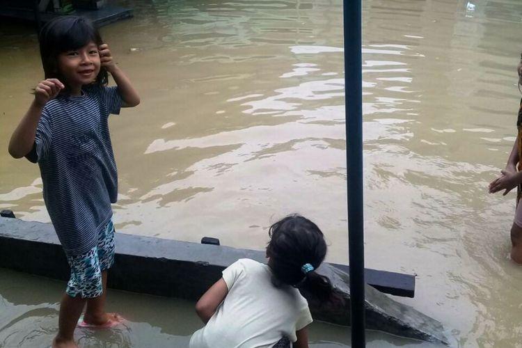 Kota Medan dan sebagian wilayah sekitarnya, sudah tiga hari berturut-turut disapu hujan panjang, Minggu (3/12/2017)