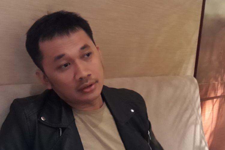 Hanung Bramantyo menceritakan soal pembuatan film barunya ketika dijumpai usai acara peluncuran trailer dan soundtrack film Kartini di Djakarta Theater XXI, Jakarta Pusat, Selasa (21/3/2017).