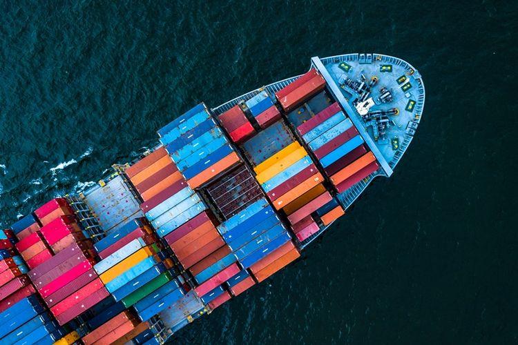 Ilustrasi kapal barang.