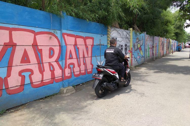 Kondisi kampung mural di Kramat Jati, Jakarta Timur, Senin (2/4/2018)