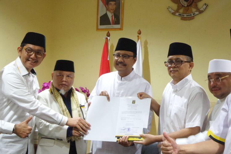 Saifullah Yusuf atau Gus Ipul menerima dukungan dari DPP PKS sebagai calon gubernur Jawa Timur di Kantor DPP PKS Jakarta, Rabu (10/1/2018).