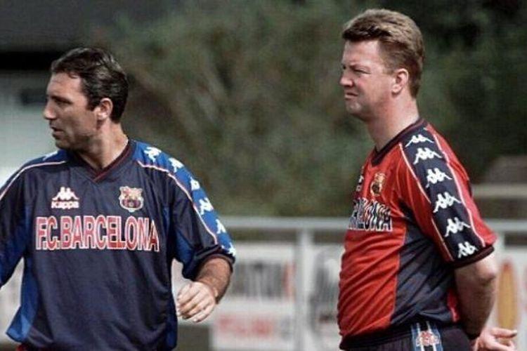 Hristo Stoichkov (kiri) dan Luis van Gaal (kanan) saat masih berstatus sebagai pemain dan pelatih di Barcelona.