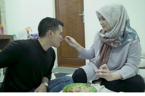 Kemesraan Rezky Adhitya dan Citra Kirana Makan Sepiring Berdua dan Suap-suapan